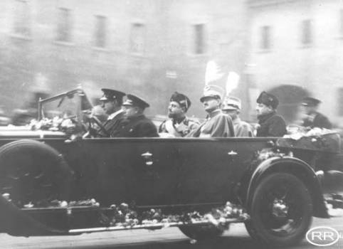 Italy's Fascist Jews: Insights on an Unusual Scenario