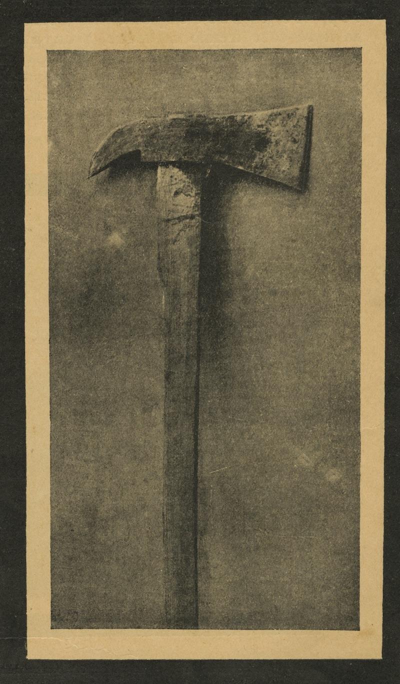 """Fig. 2: """"Axe"""" in  Z. S. Ostrovskii, Evreiskie pogromy, 1918-1921, (Moscow: Shkola i kniga 1926), 30. Courtesy of the Blavatnik Archive, New York."""