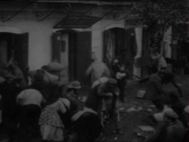 Fig. 10: Protiv voli otsov, Evgeni Ivanov-Barkov, 1926 (Gosfilmofond)