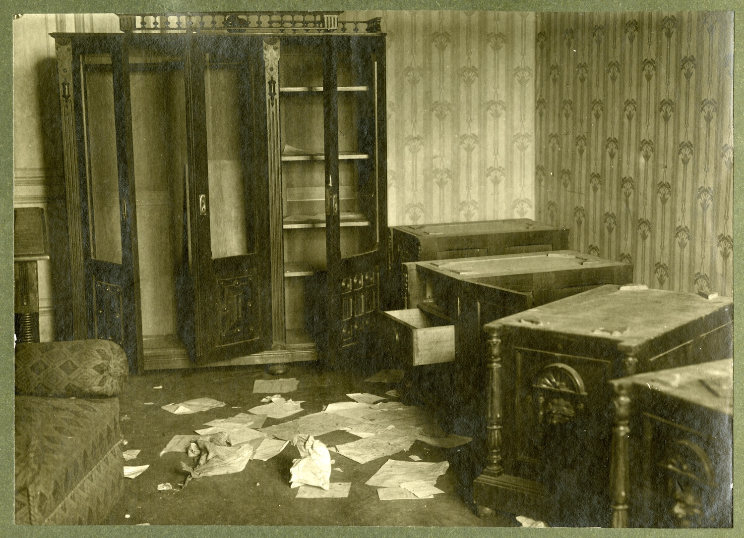 Fig. 3: The interior of the offices of the Central Committee for Aid to Jewish Pogrom Victims after being vandalized by members of the Volunteer Army, October or November 1919, Kiev. YIVO Institute for Jewish Research RG 80-89 f. 54591